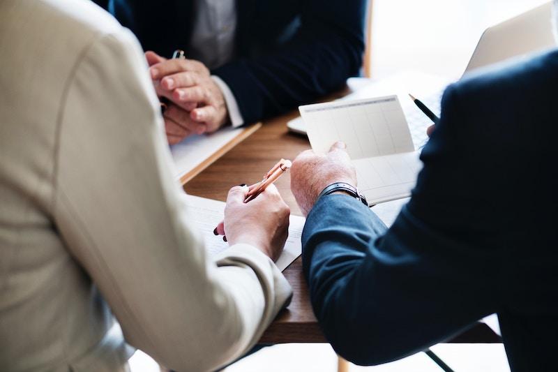 3 People in Meeting - Source Unsplash